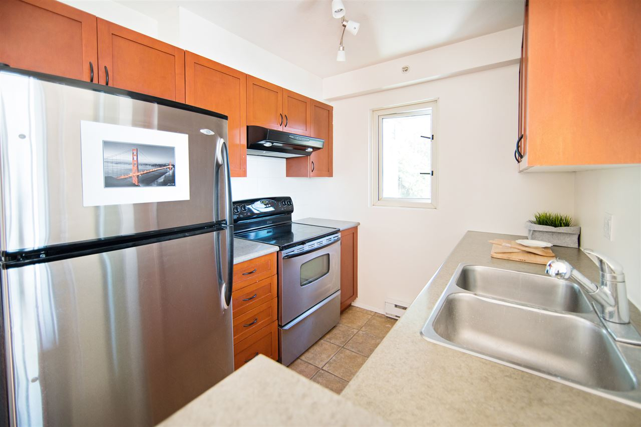 Condo Apartment at 901 2733 CHANDLERY PLACE, Unit 901, Vancouver East, British Columbia. Image 7
