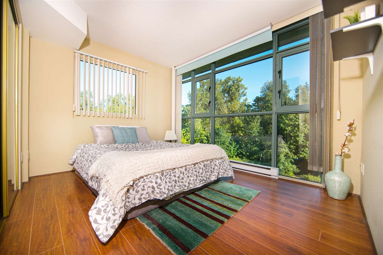 Condo Apartment at 901 2733 CHANDLERY PLACE, Unit 901, Vancouver East, British Columbia. Image 9