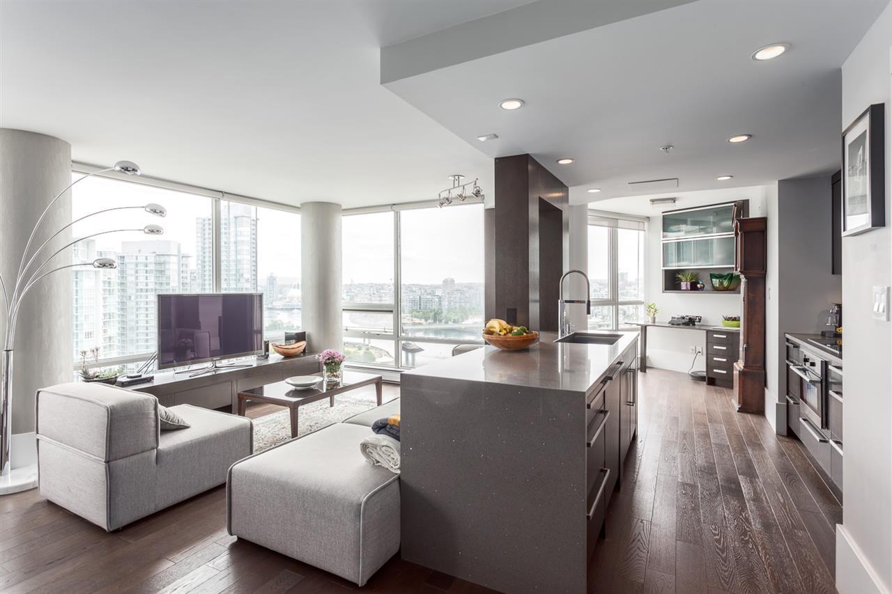 Condo Apartment at 2203 1201 MARINASIDE CRESCENT, Unit 2203, Vancouver West, British Columbia. Image 3
