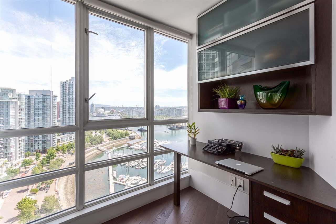 Condo Apartment at 2203 1201 MARINASIDE CRESCENT, Unit 2203, Vancouver West, British Columbia. Image 5