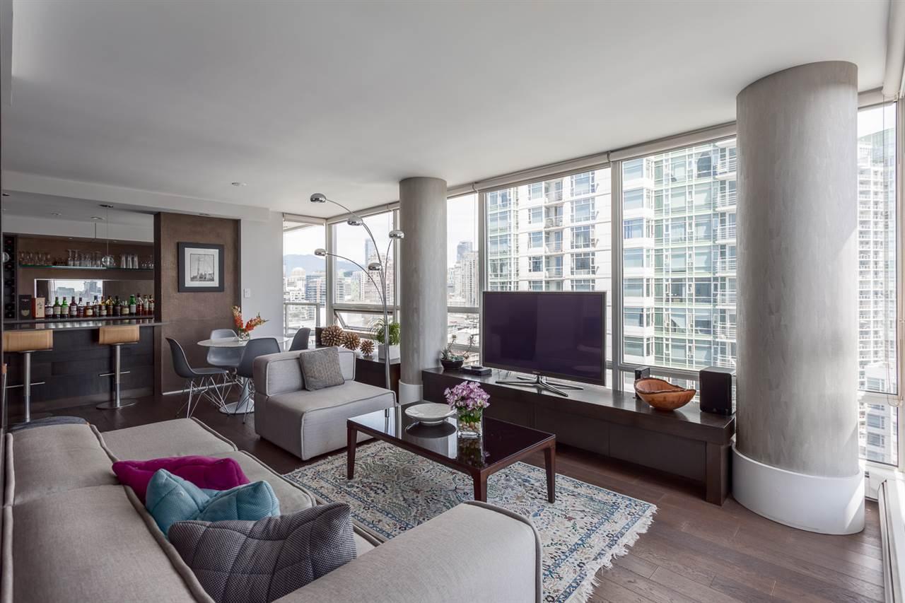 Condo Apartment at 2203 1201 MARINASIDE CRESCENT, Unit 2203, Vancouver West, British Columbia. Image 7