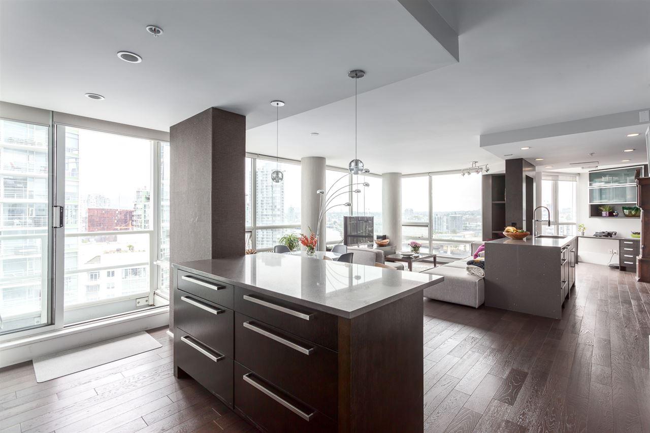 Condo Apartment at 2203 1201 MARINASIDE CRESCENT, Unit 2203, Vancouver West, British Columbia. Image 10