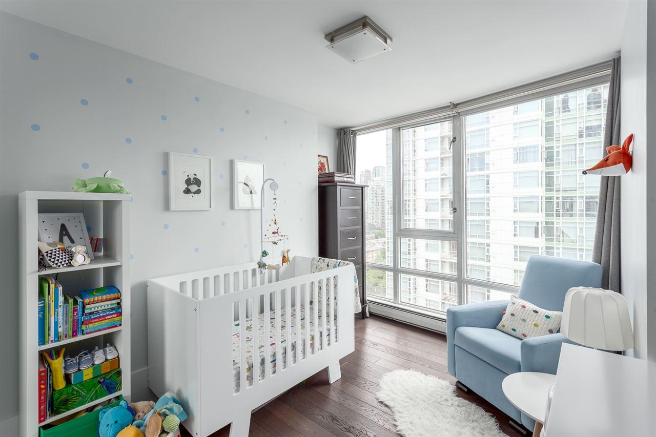 Condo Apartment at 2203 1201 MARINASIDE CRESCENT, Unit 2203, Vancouver West, British Columbia. Image 16