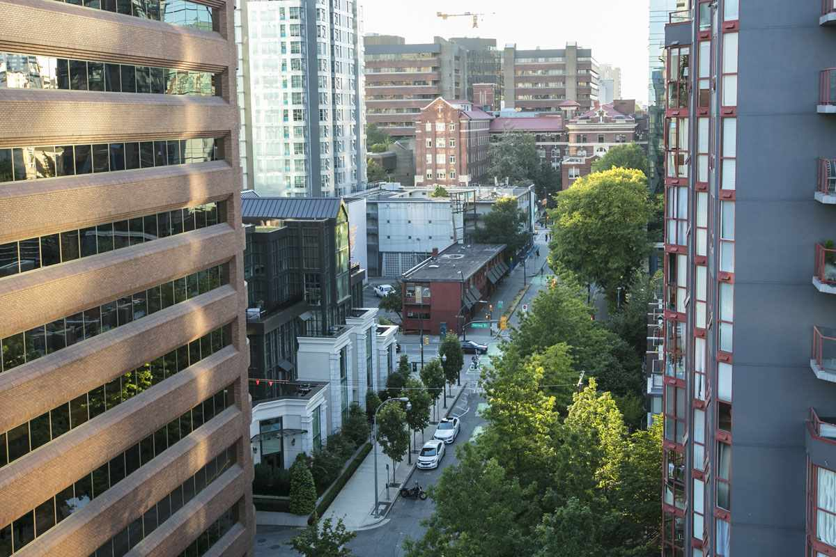 Condo Apartment at 10B 789 HELMCKEN STREET, Unit 10B, Vancouver West, British Columbia. Image 12