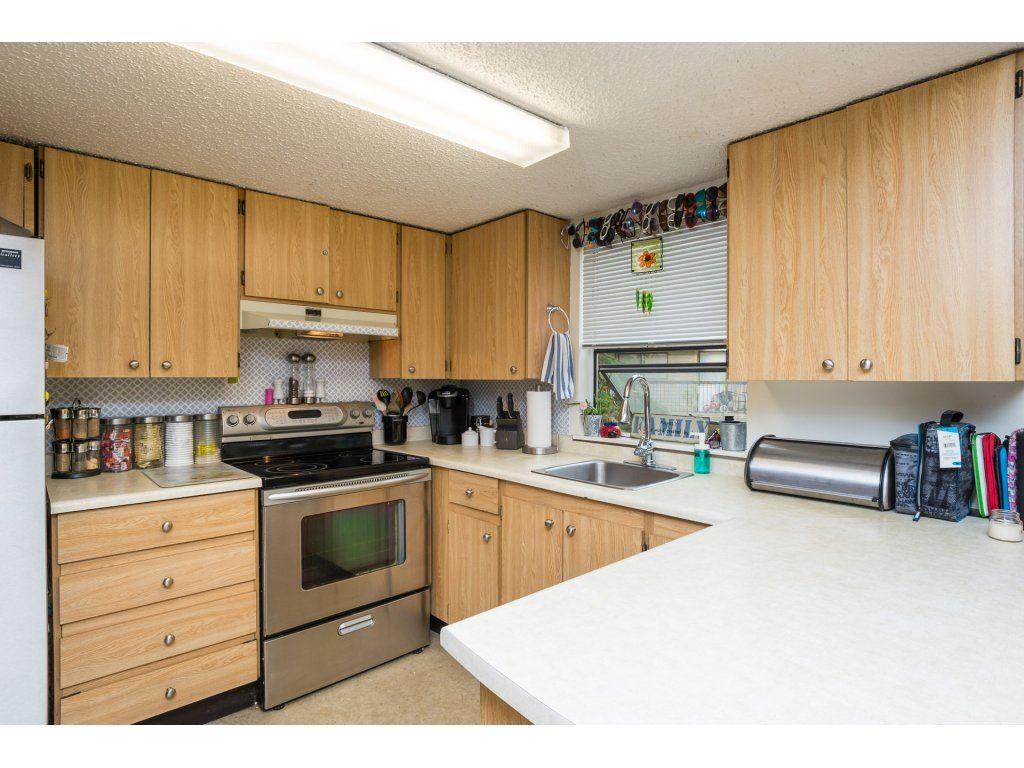 Condo Apartment at 201 13283 70B AVENUE, Unit 201, Surrey, British Columbia. Image 7