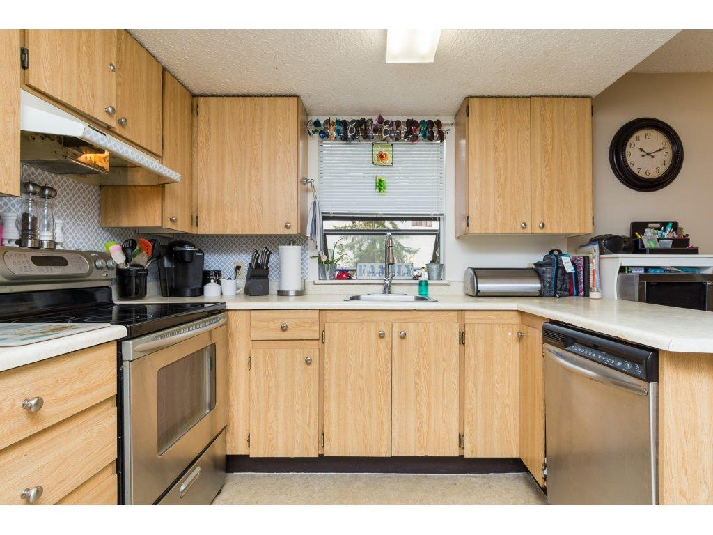Condo Apartment at 201 13283 70B AVENUE, Unit 201, Surrey, British Columbia. Image 8