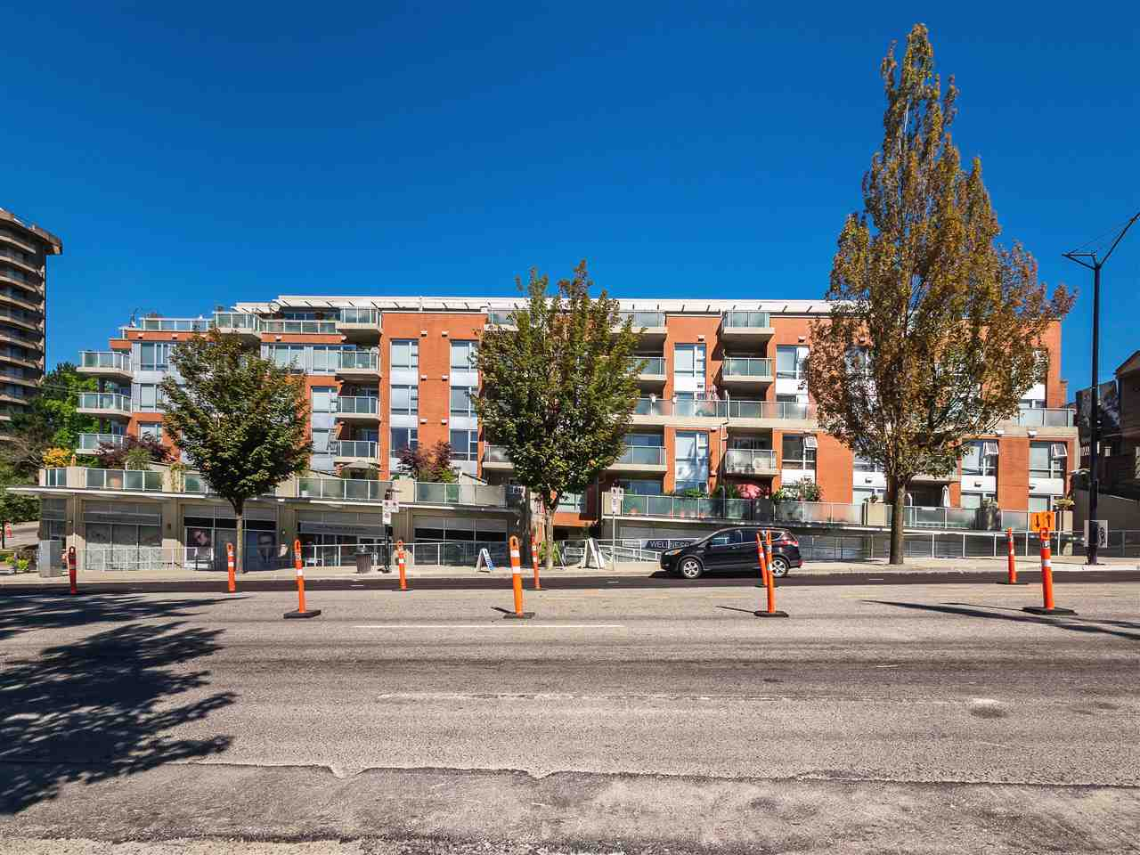 Condo Apartment at 306 3811 HASTINGS STREET, Unit 306, Burnaby North, British Columbia. Image 2