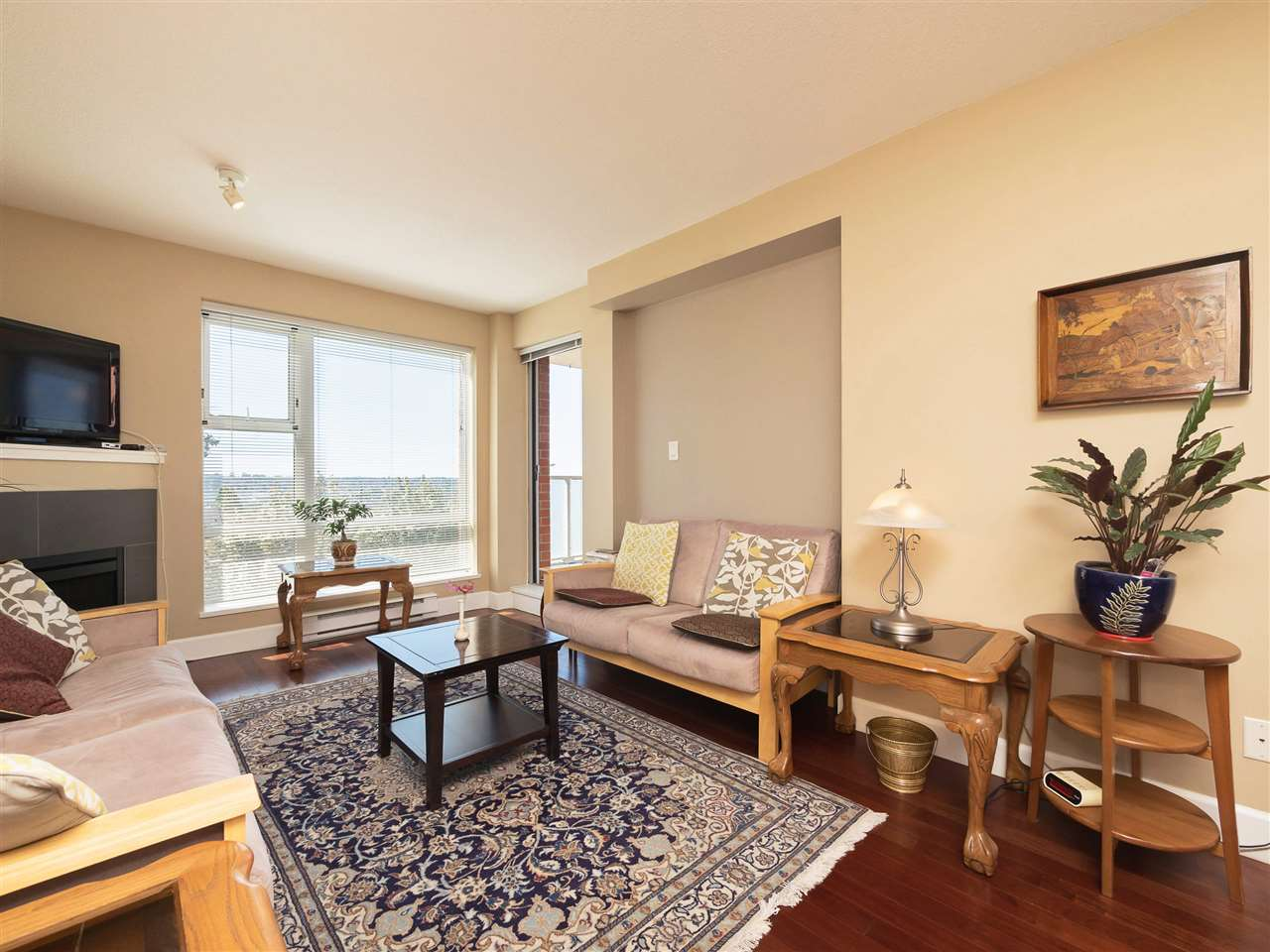 Condo Apartment at 306 3811 HASTINGS STREET, Unit 306, Burnaby North, British Columbia. Image 9