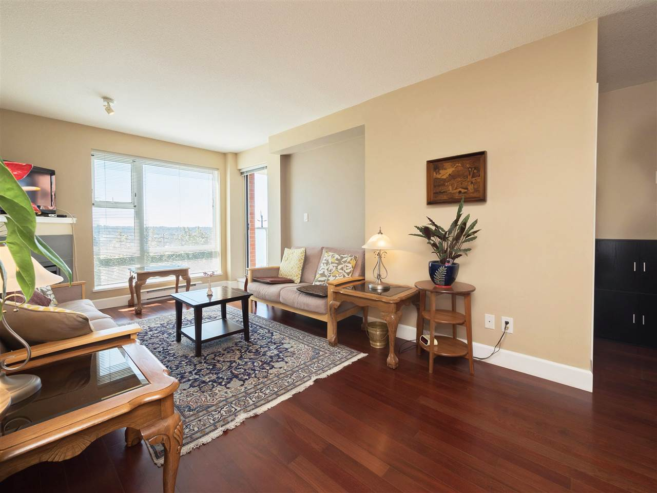 Condo Apartment at 306 3811 HASTINGS STREET, Unit 306, Burnaby North, British Columbia. Image 14
