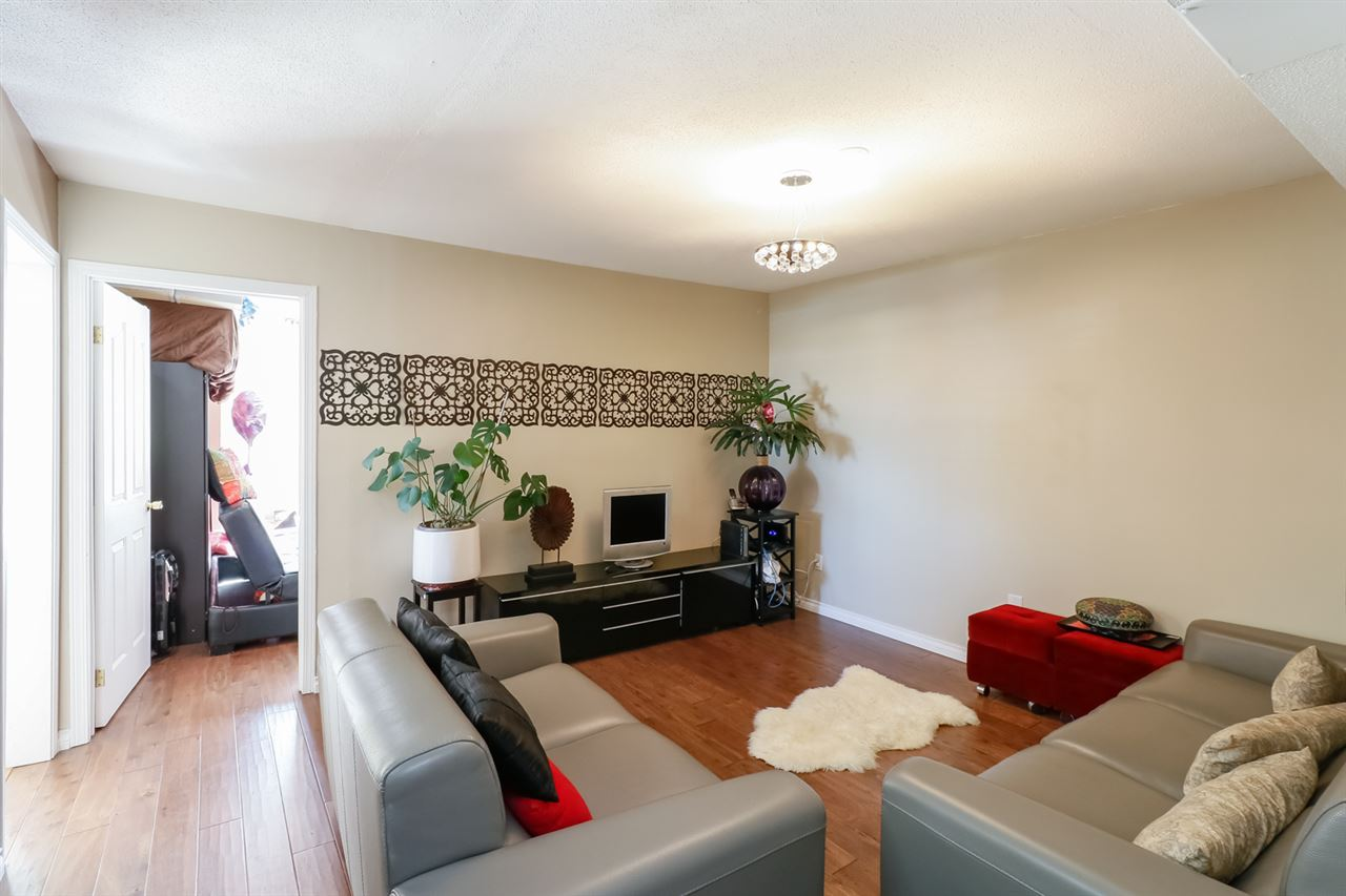 Condo Apartment at 126 5700 ARCADIA ROAD, Unit 126, Richmond, British Columbia. Image 6