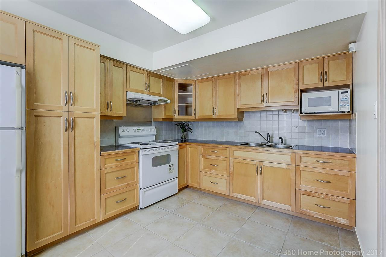 Townhouse at 3475 WEYMOOR PLACE, Vancouver East, British Columbia. Image 3