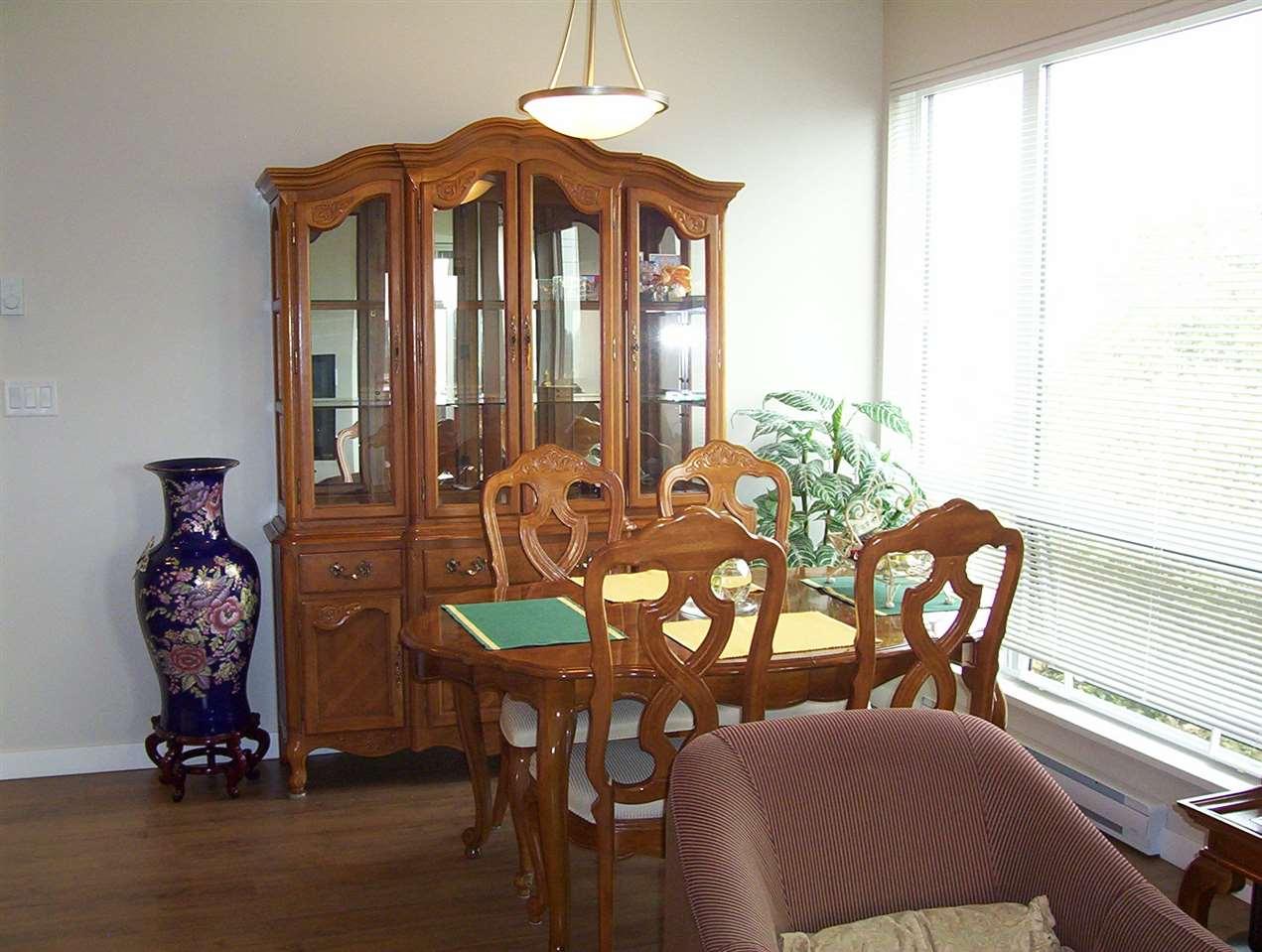 Condo Apartment at 307 20331 DEWDNEY TRUNK ROAD, Unit 307, Maple Ridge, British Columbia. Image 5