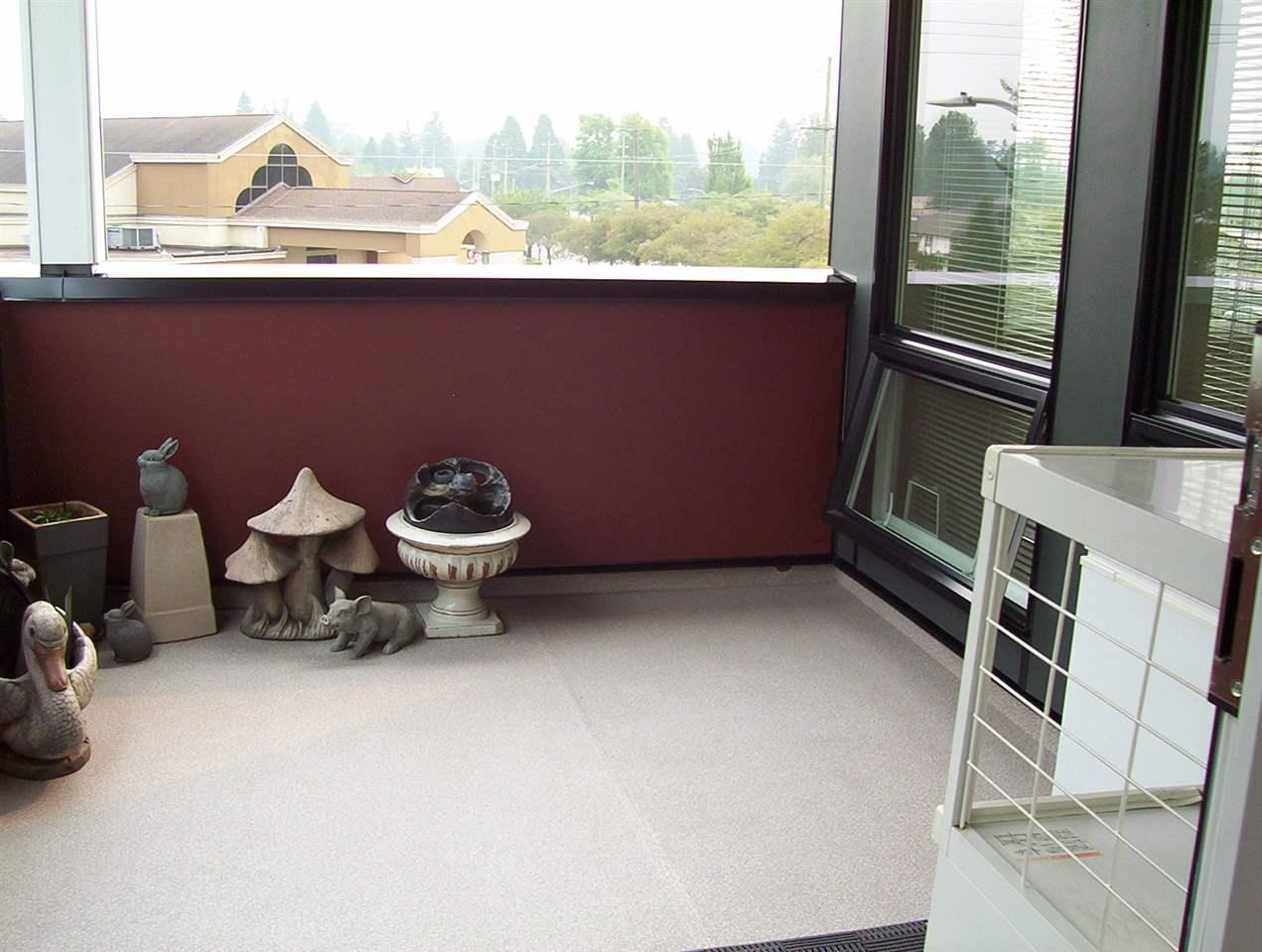 Condo Apartment at 307 20331 DEWDNEY TRUNK ROAD, Unit 307, Maple Ridge, British Columbia. Image 16