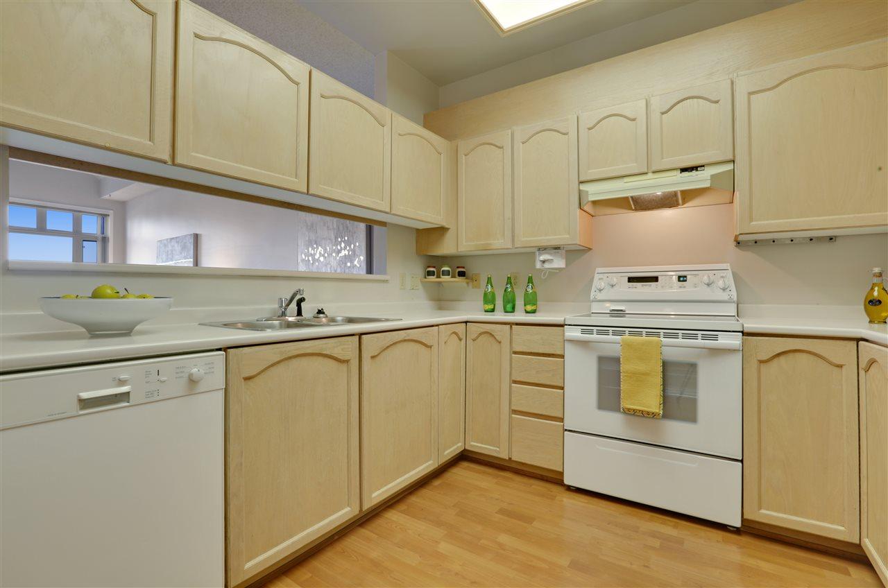 Condo Apartment at 501 2800 CHESTERFIELD AVENUE, Unit 501, North Vancouver, British Columbia. Image 9