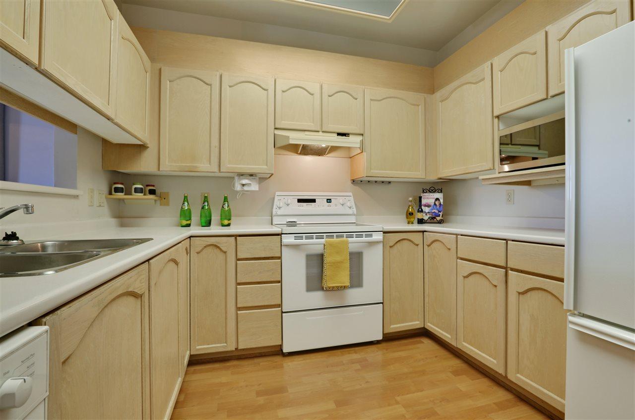 Condo Apartment at 501 2800 CHESTERFIELD AVENUE, Unit 501, North Vancouver, British Columbia. Image 10
