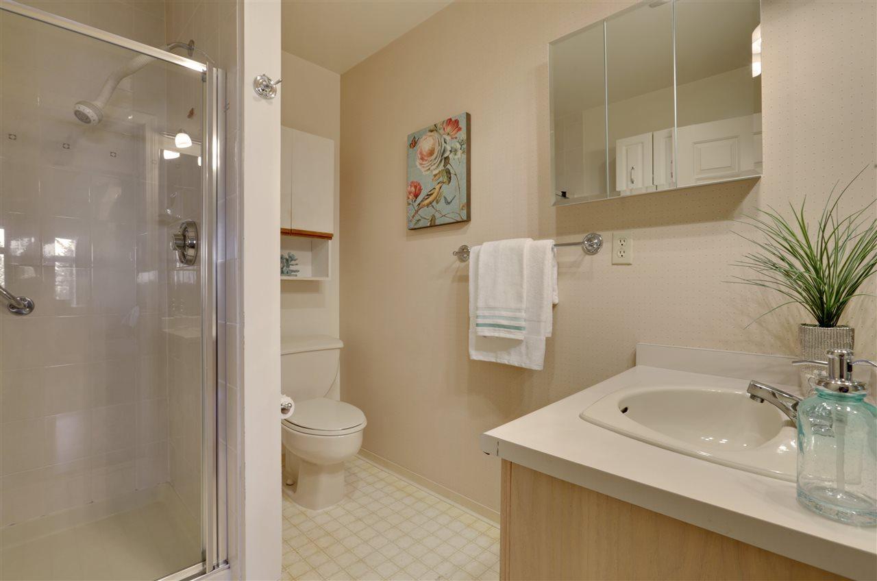 Condo Apartment at 501 2800 CHESTERFIELD AVENUE, Unit 501, North Vancouver, British Columbia. Image 15