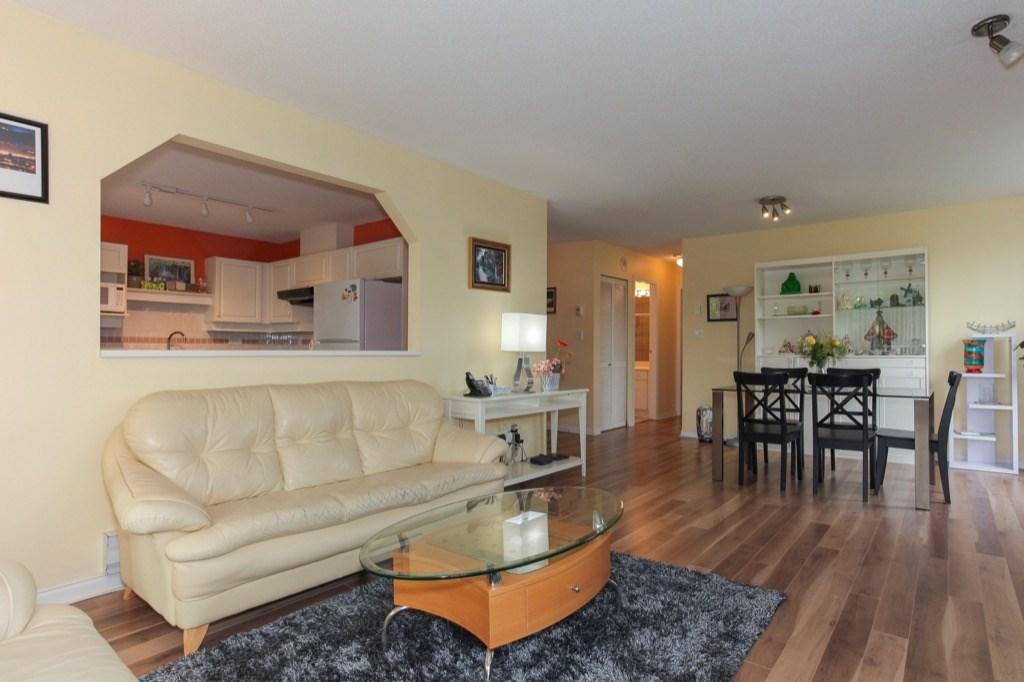 Condo Apartment at 602 412 TWELFTH STREET, Unit 602, New Westminster, British Columbia. Image 4