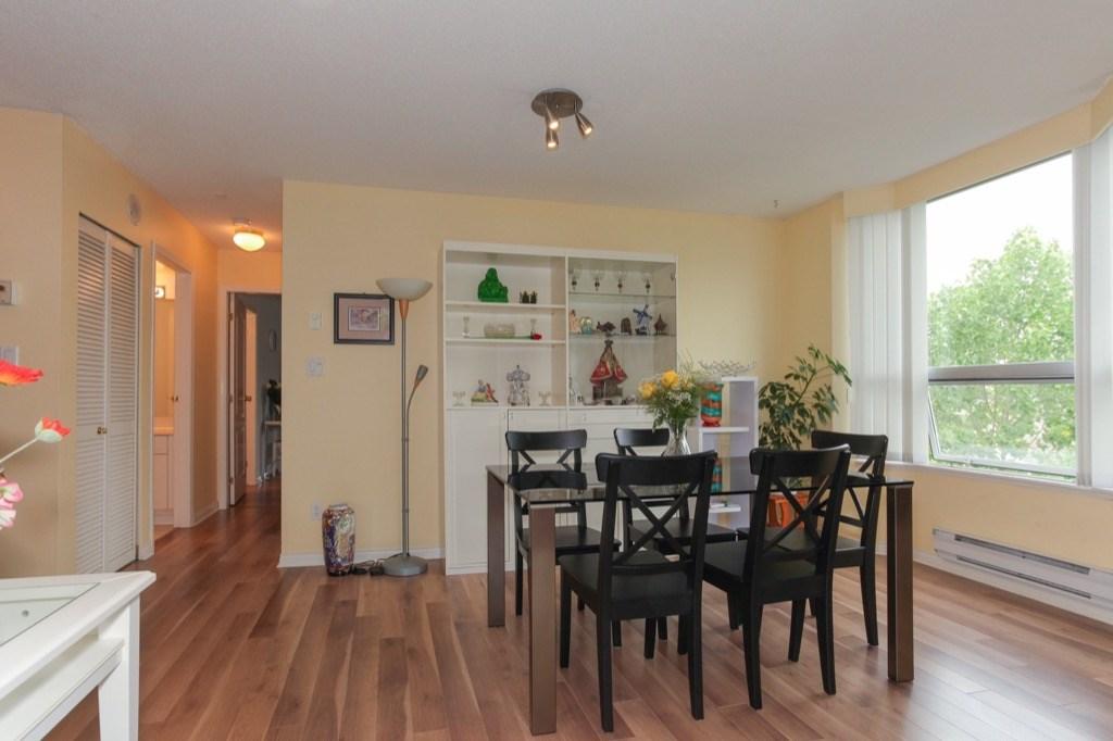 Condo Apartment at 602 412 TWELFTH STREET, Unit 602, New Westminster, British Columbia. Image 6