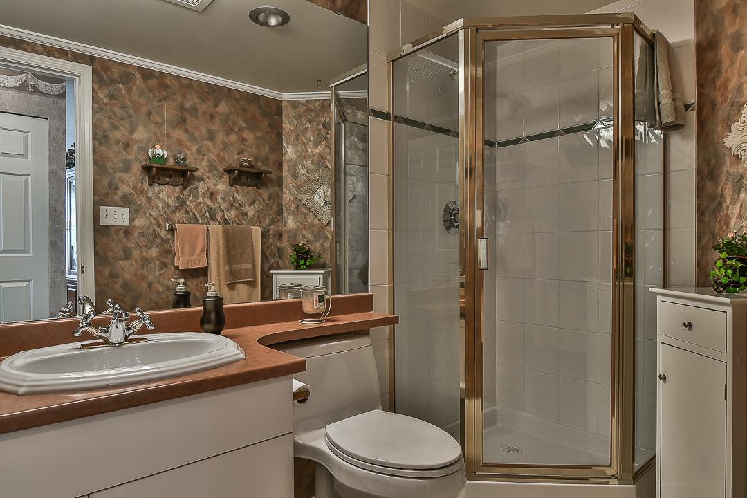 Condo Apartment at 502 15030 101 AVENUE, Unit 502, North Surrey, British Columbia. Image 9
