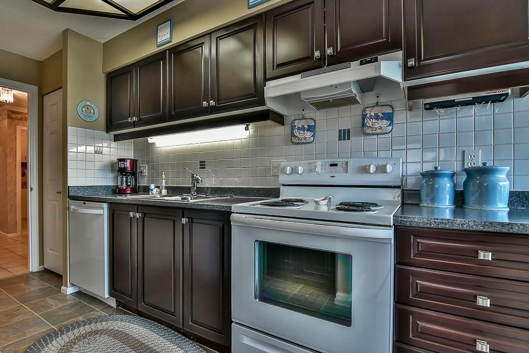 Condo Apartment at 502 15030 101 AVENUE, Unit 502, North Surrey, British Columbia. Image 15