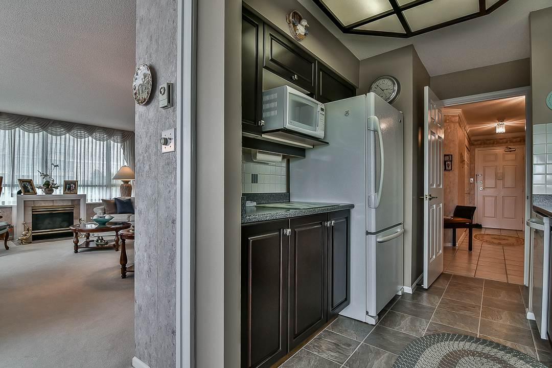 Condo Apartment at 502 15030 101 AVENUE, Unit 502, North Surrey, British Columbia. Image 16