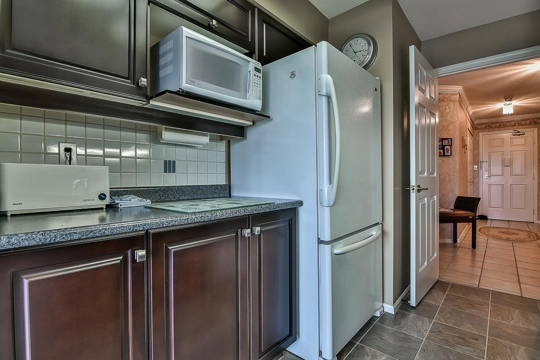 Condo Apartment at 502 15030 101 AVENUE, Unit 502, North Surrey, British Columbia. Image 17