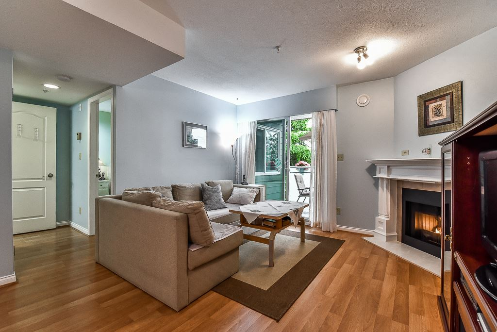 Condo Apartment at 303 518 THIRTEENTH STREET, Unit 303, New Westminster, British Columbia. Image 1
