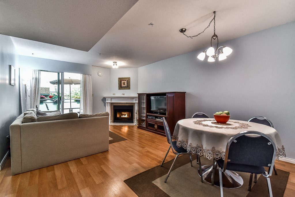 Condo Apartment at 303 518 THIRTEENTH STREET, Unit 303, New Westminster, British Columbia. Image 6