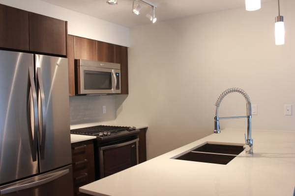 Condo Apartment at 221 7088 14TH AVENUE, Unit 221, Burnaby East, British Columbia. Image 14