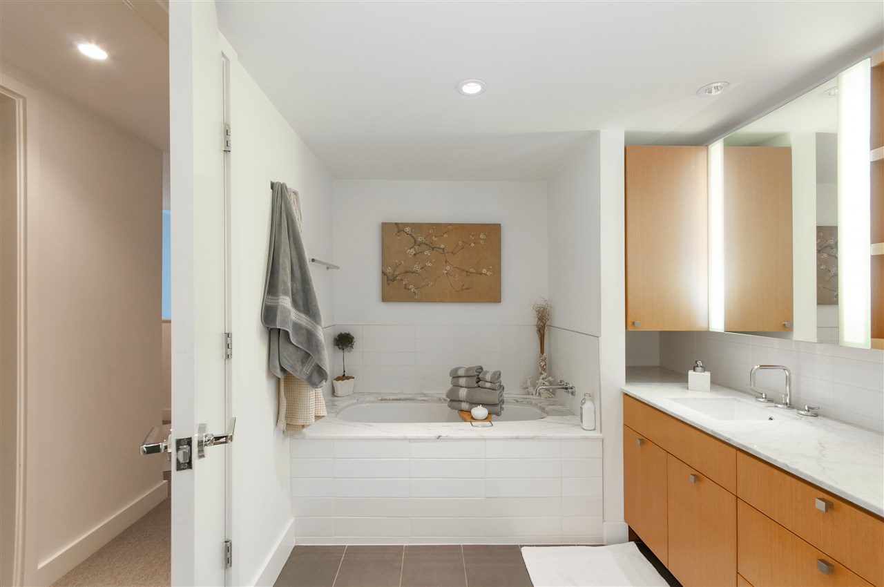 Townhouse at 102 1168 RICHARDS STREET, Unit 102, Vancouver West, British Columbia. Image 11