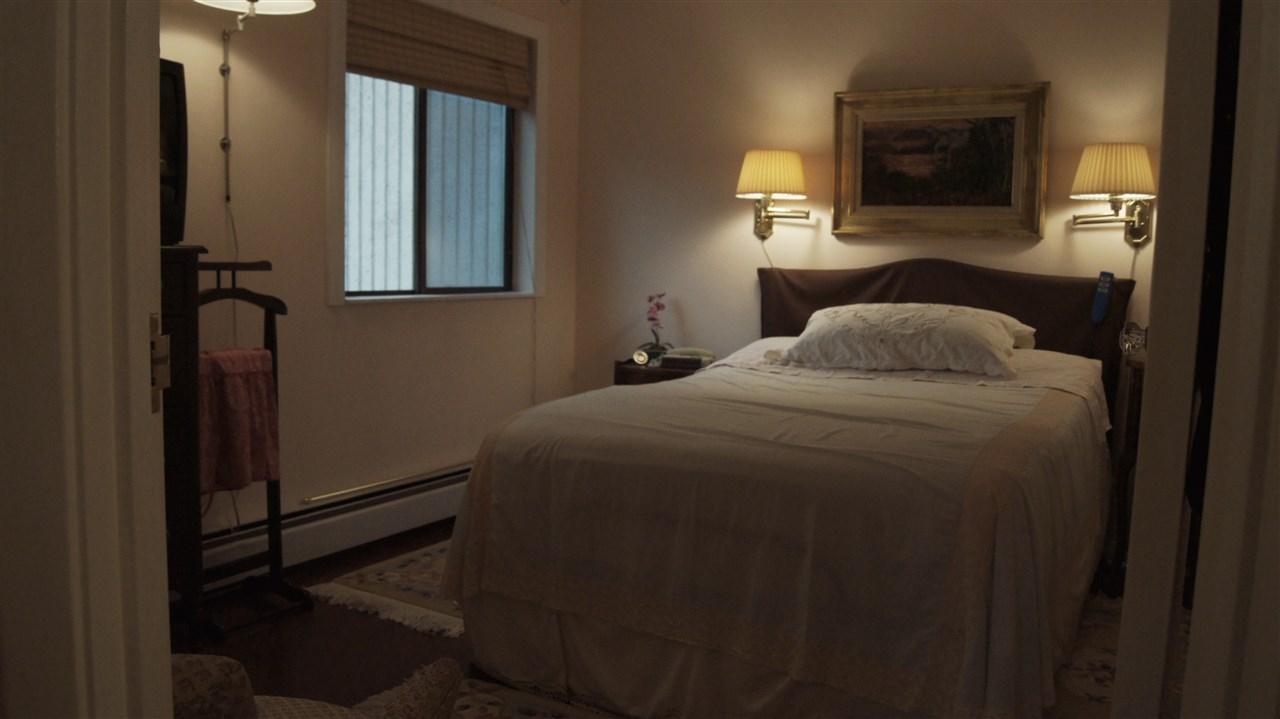 Condo Apartment at 901 4194 MAYWOOD STREET, Unit 901, Burnaby South, British Columbia. Image 4