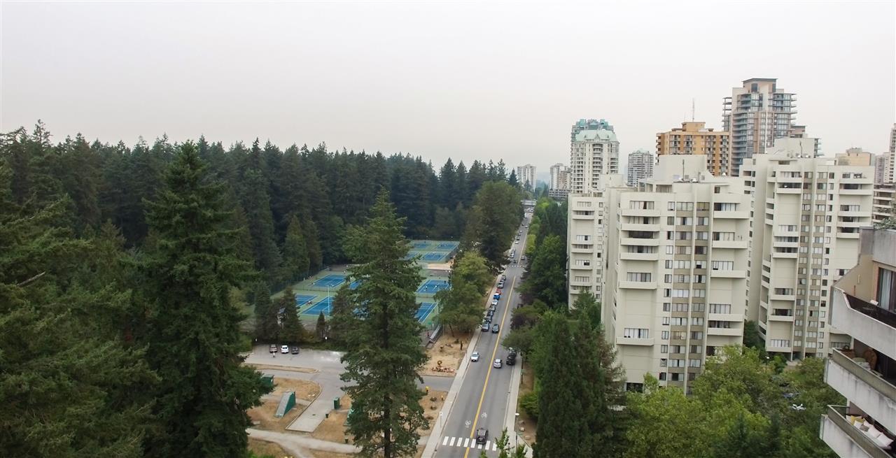 Condo Apartment at 901 4194 MAYWOOD STREET, Unit 901, Burnaby South, British Columbia. Image 10