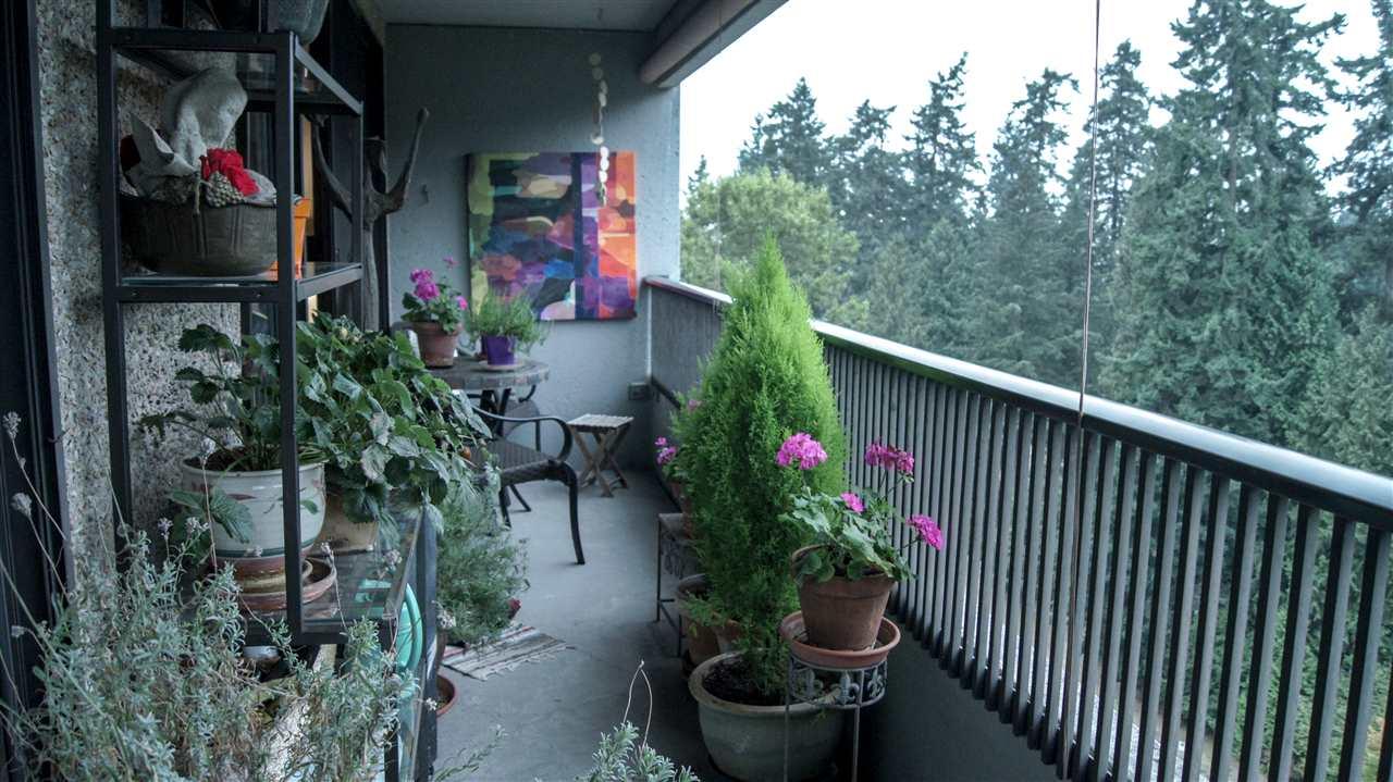 Condo Apartment at 901 4194 MAYWOOD STREET, Unit 901, Burnaby South, British Columbia. Image 11