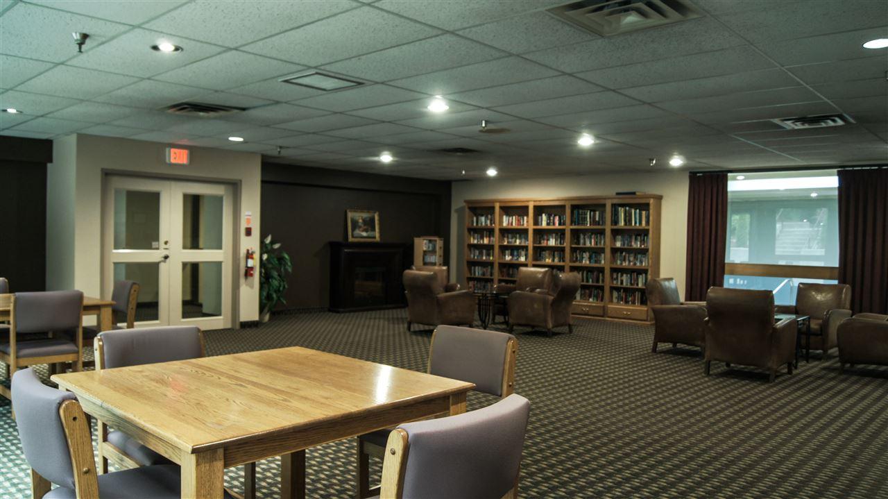 Condo Apartment at 901 4194 MAYWOOD STREET, Unit 901, Burnaby South, British Columbia. Image 15