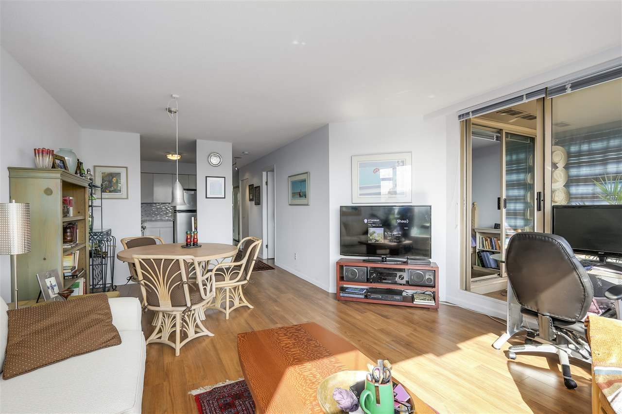 Condo Apartment at 1411 1327 E KEITH ROAD, Unit 1411, North Vancouver, British Columbia. Image 5