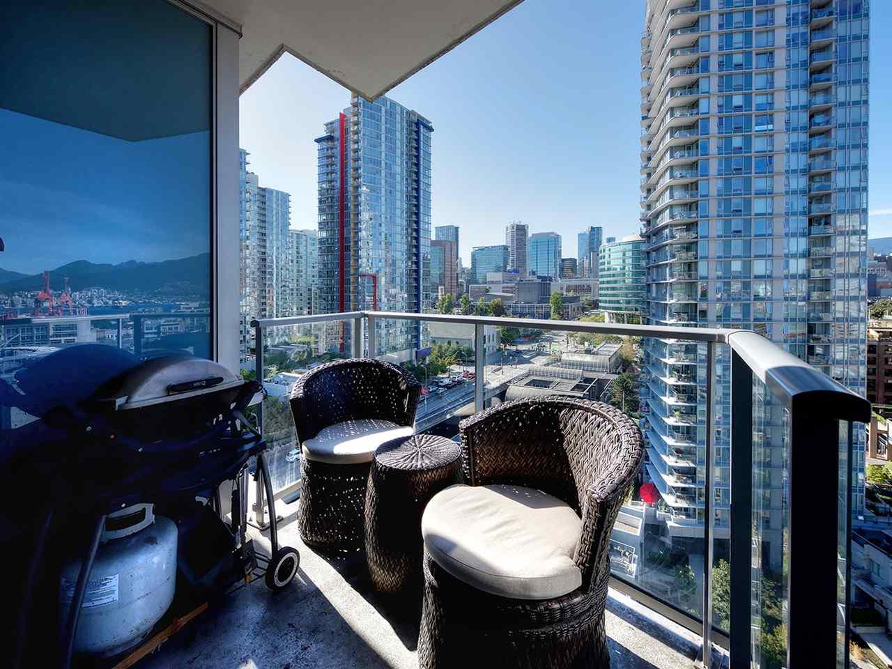 Condo Apartment at 1808 689 ABBOTT STREET, Unit 1808, Vancouver West, British Columbia. Image 7