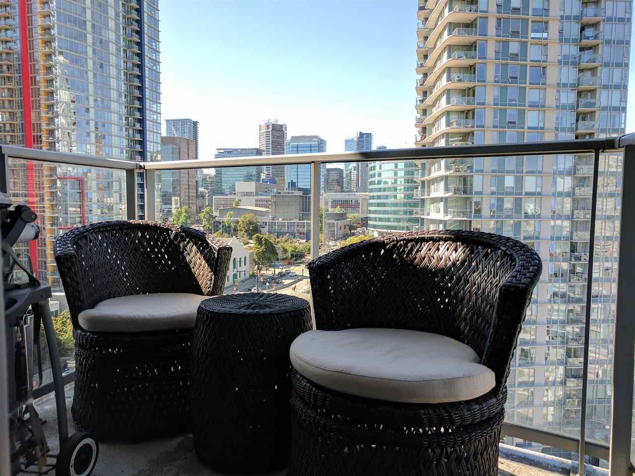 Condo Apartment at 1808 689 ABBOTT STREET, Unit 1808, Vancouver West, British Columbia. Image 16
