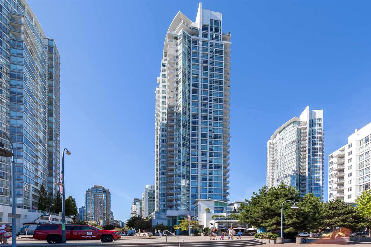 Condo Apartment at 1705 1199 MARINASIDE CRESCENT, Unit 1705, Vancouver West, British Columbia. Image 1