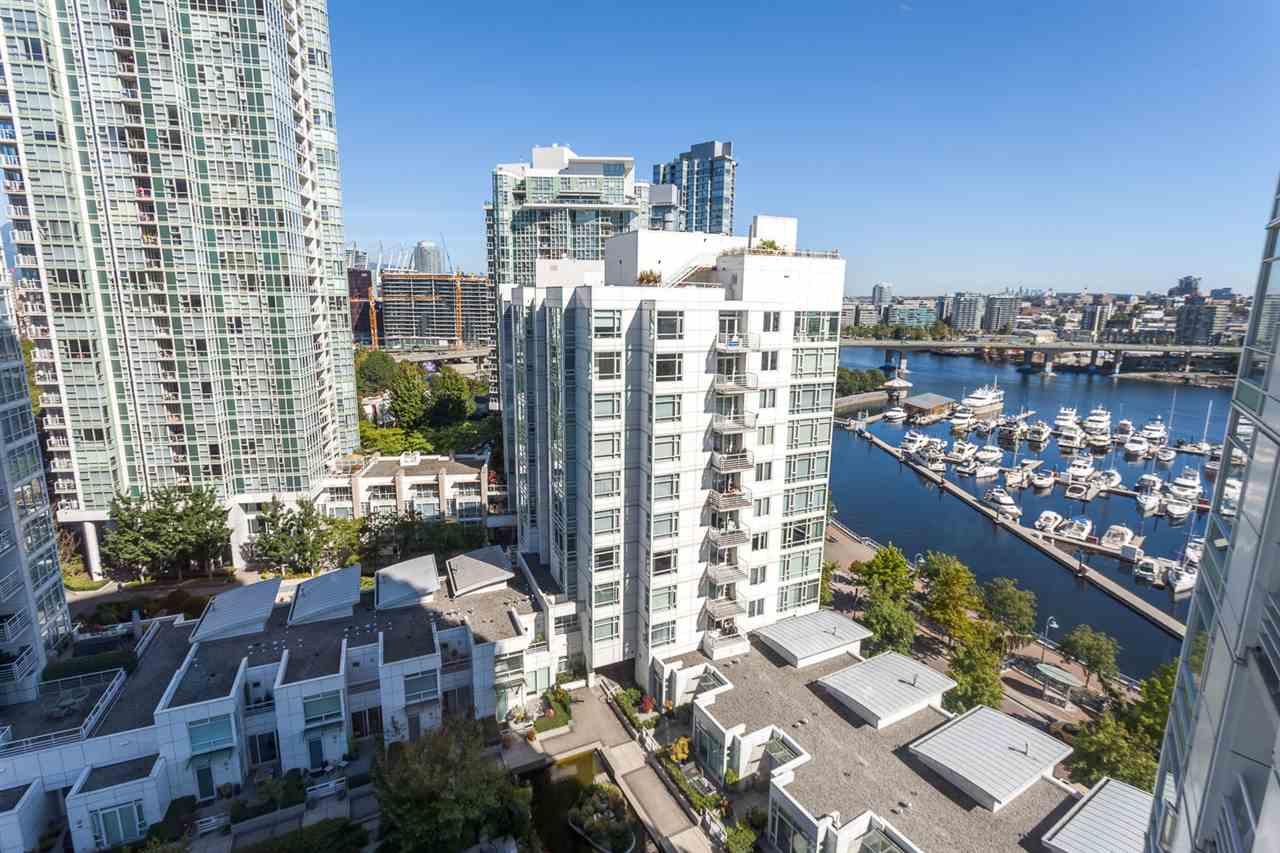 Condo Apartment at 1705 1199 MARINASIDE CRESCENT, Unit 1705, Vancouver West, British Columbia. Image 2