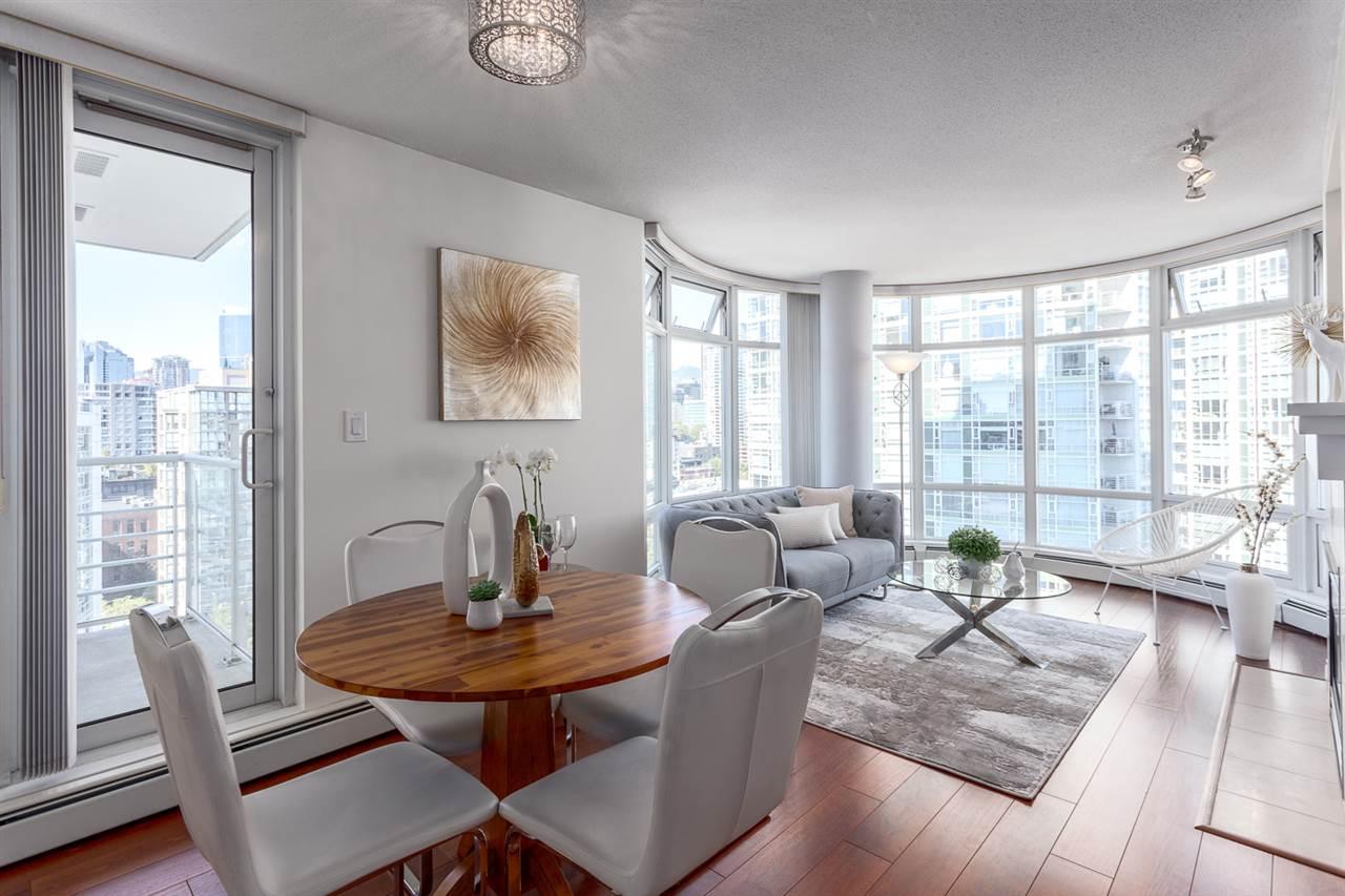 Condo Apartment at 1705 1199 MARINASIDE CRESCENT, Unit 1705, Vancouver West, British Columbia. Image 8