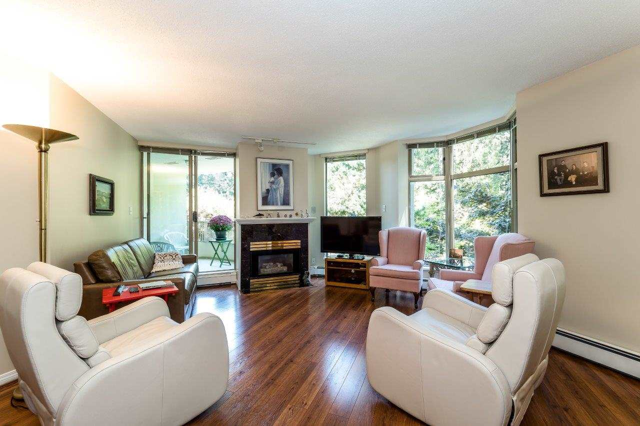Condo Apartment at 304 6188 PATTERSON AVENUE, Unit 304, Burnaby South, British Columbia. Image 5