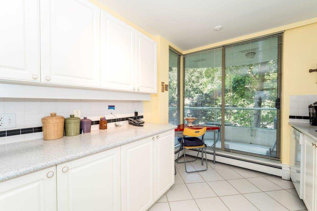 Condo Apartment at 304 6188 PATTERSON AVENUE, Unit 304, Burnaby South, British Columbia. Image 9