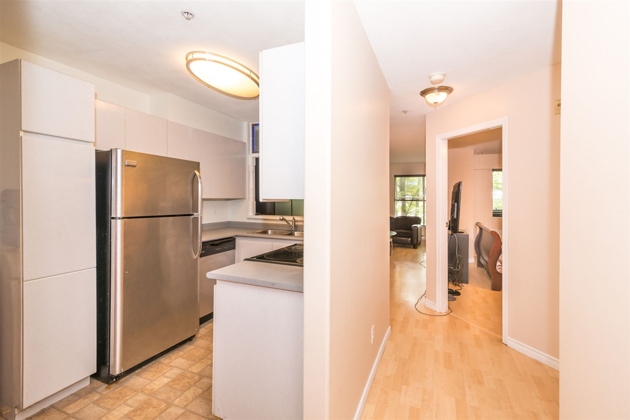 Condo Apartment at 305 509 CARNARVON STREET, Unit 305, New Westminster, British Columbia. Image 5