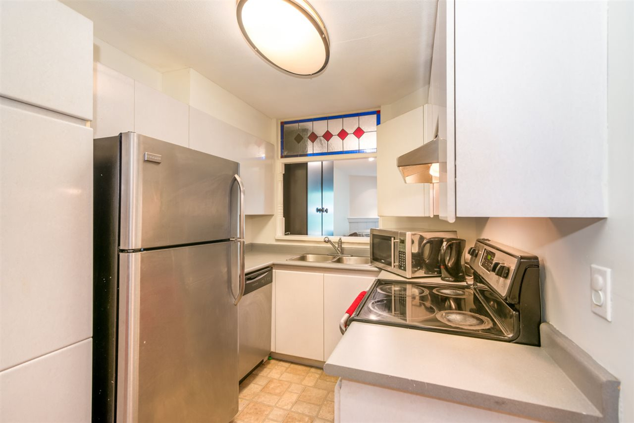 Condo Apartment at 305 509 CARNARVON STREET, Unit 305, New Westminster, British Columbia. Image 6