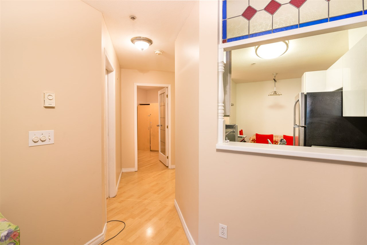 Condo Apartment at 305 509 CARNARVON STREET, Unit 305, New Westminster, British Columbia. Image 7