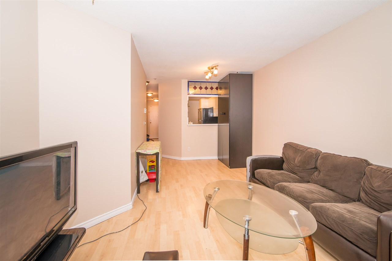 Condo Apartment at 305 509 CARNARVON STREET, Unit 305, New Westminster, British Columbia. Image 8