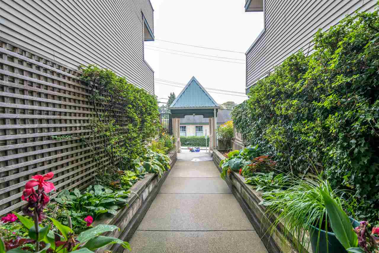 Condo Apartment at 305 509 CARNARVON STREET, Unit 305, New Westminster, British Columbia. Image 19
