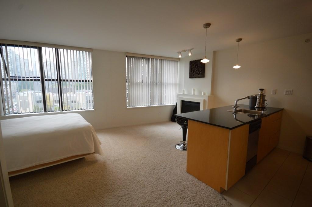Condo Apartment at 808 989 BEATTY STREET, Unit 808, Vancouver West, British Columbia. Image 2