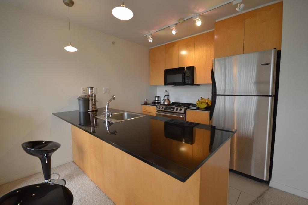 Condo Apartment at 808 989 BEATTY STREET, Unit 808, Vancouver West, British Columbia. Image 3