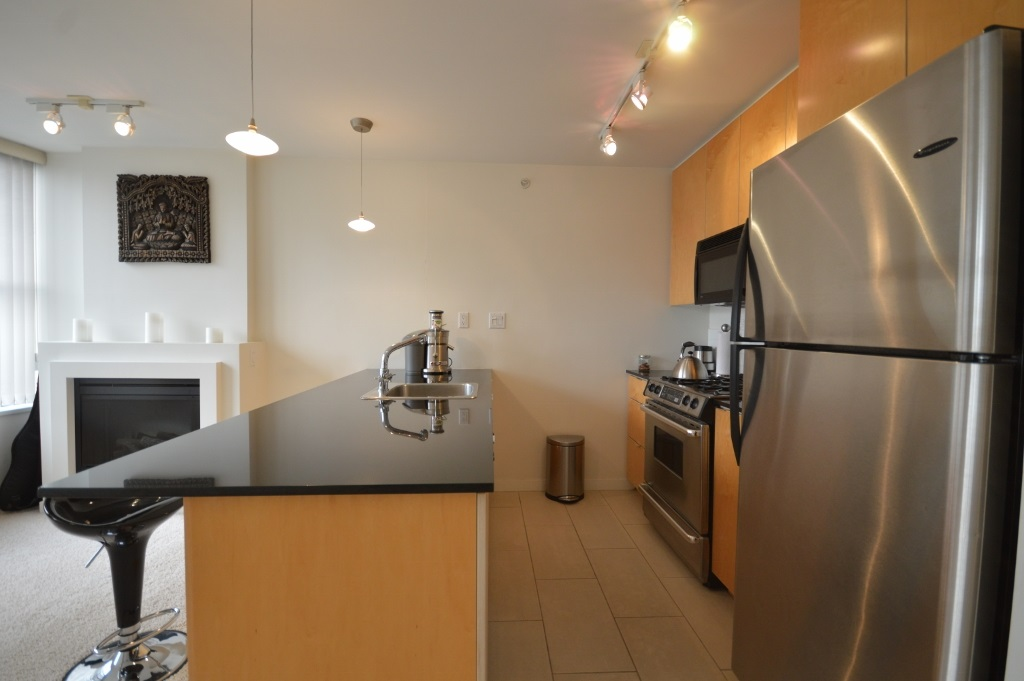 Condo Apartment at 808 989 BEATTY STREET, Unit 808, Vancouver West, British Columbia. Image 4